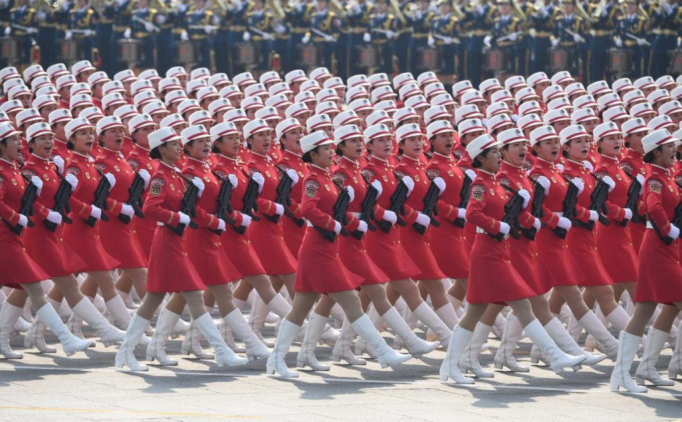 این تصور که هیولای کمونیسم را میتوان با اندک بزک و دوزک به شکل فرشته ملی به صحنه فرستاد نشانهای است از سرگشتگی-GREG BAKER / AFP